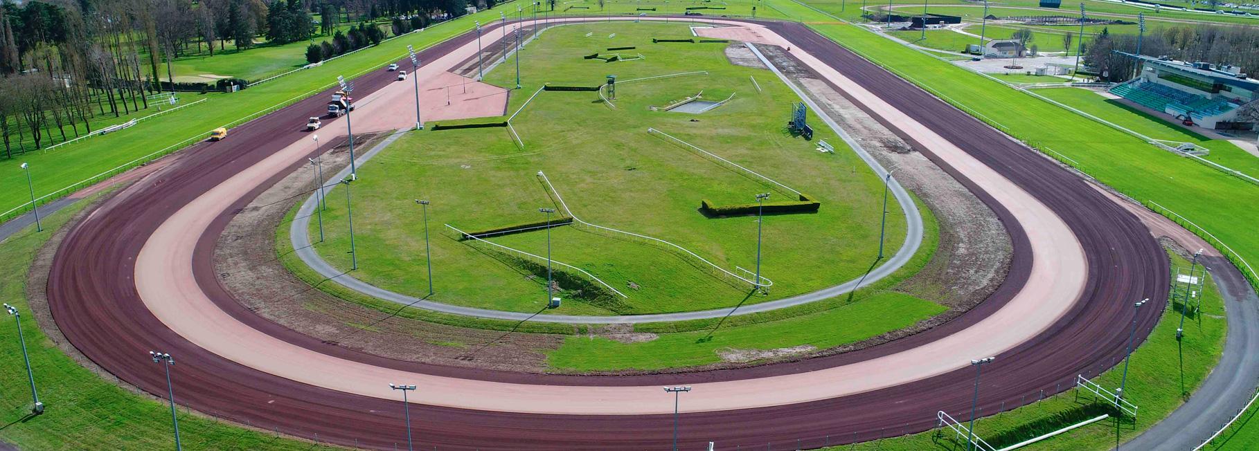 Racecourse tracks
